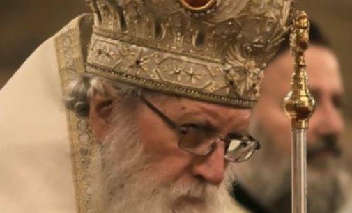 Полиция Греции задержала священника, который вел службу против коронавируса