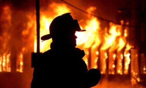 При тушении пожара под Киевом пожарные обнаружили труп
