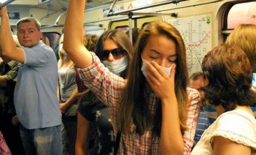 Контролировать наличие масок в метро будет некому — эксперт