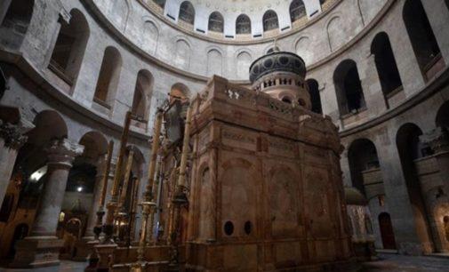 Дистанция в два мера, ни к чему не прикасаться: В Иерусалиме откроют для посетителей Храм Гроба Господня
